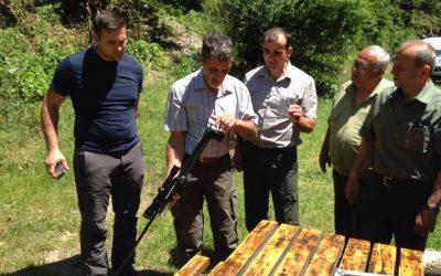 (Română) Actiune de capturare si relocare ursi din zona Cetatii Poienari, jud. Arges